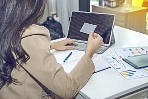 Person acquiring cyber liability insurance