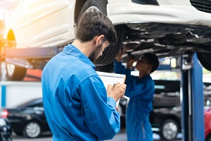 auto check up and car service shop concept- garage keeper insurance