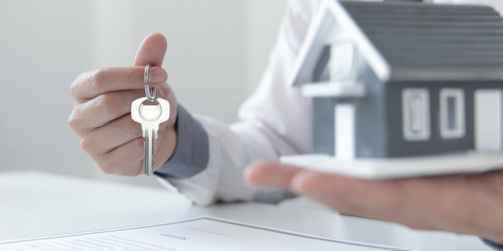 landlord prepares to hand over the keys